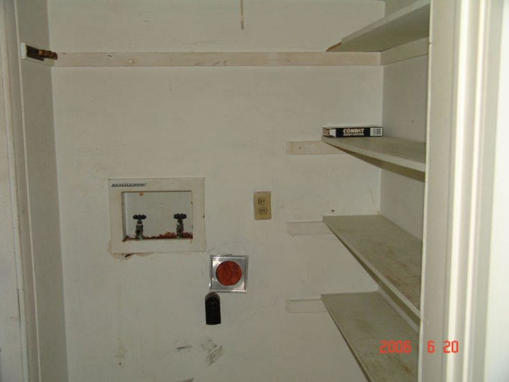 16laundry_room_for_vertical_washer_dryer_JPG