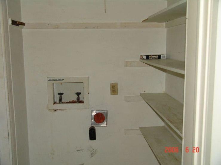16laundry_room_for_vertical_washer_dryer_JPG