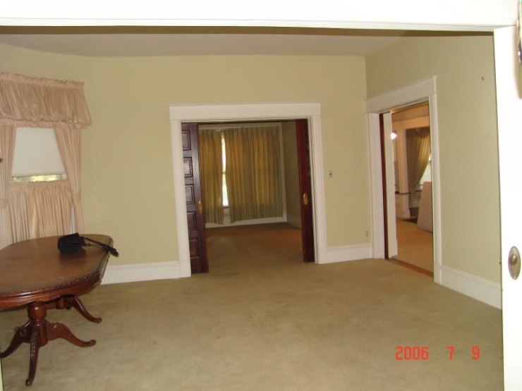 61_view_toward_room_east_of_entry_JPG